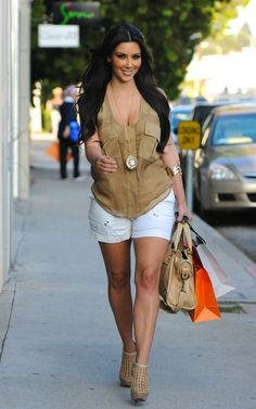 Kim Kardashian wearing House of Harlow 1960 Locket Available At www.TheFashionMRKT.com xo #pretty #boho #nicolerichie