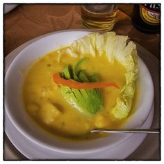 Brioche lost with apples tatin, Carambar tiles - Healthy Food Mom Gourmet Recipes, Healthy Recipes, Specialty Foods, Tropical Fruits, Salad Bowls, Serving Plates, Ecuador, Food Print, Curry