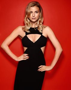 Emily VanCamp Talks Revenge With marie claire - Marie Claire Magazine - Yahoo!7 Lifestyle
