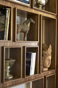 Built-in Bookcase to Display Treasures - Craftmanship shows in detailed edging of the cabinetry/millwork. Shelf Design, Cabinet Design, Interior Architecture, Interior And Exterior, Interior Design, Display Shelves, Shelving, Display Boxes, Display Case