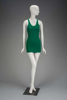 1930, United Kingdom - Women's swimsuit - Wool knit