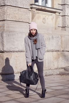 love this grey look by nisi from teetharejade Preppy Winter Outfits, Winter Outfits For School, Basic Outfits, Casual Outfits, Layered Fashion, Color Pop, Autumn Fashion, Clothes, Fashion Inspiration
