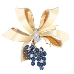 Gold, Platinum, Cabochon Sapphire and Diamond Bow Clip-Brooch for Sale at Auction on Wed, - - Important Estate Jewelry Modern Jewelry, Fine Jewelry, Jewelry Making, Antique Jewelry, Vintage Jewelry, Vintage Brooches, Diamond Bows, Ribbon Jewelry, Sapphire Jewelry