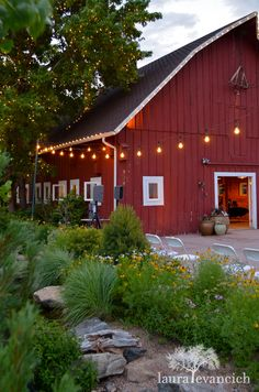barn wedding reception | Laura Evancich photography