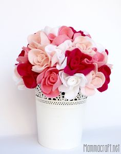 Rose feltro 001d2 801x1024 Rose come centrotavola in feltro