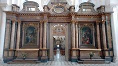 Koorhek van de kloosterkerk van Pontigny in Bourgondië Frankrijk