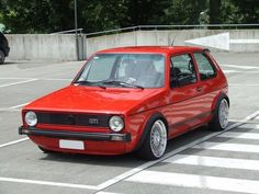 vw golf red cherry my dream car soon with Adnin Affandy Golf 1 Gti, Volkswagen Golf Mk1, T2 T3, Golf Pictures, Mercedez Benz, Automobile, Old School Cars, Vw Cars, Retro Cars