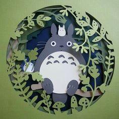 Totoro intaglio carta