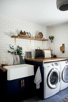 Bauernhaus Dekor Best Small Laundry Room Ideas on A Budget that You Have Never Thought of - - Room Makeover, Best Countertops, Laundry Mud Room, Home, Room Renovation, Kitchen Decor, House Inspiration, House Interior, Laundry Room Renovation