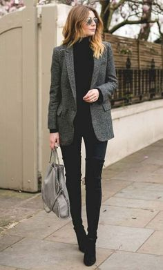 Beautiful fashionable blazers for trendy women 2018 Superbes blazers chic pour femme tendance 2018 Trends / Winter Fashion Tired of looking for outfit ideas? Here are trendy look ideas for your everyday outfits! Business Casual Outfits, Casual Winter Outfits, Classy Outfits, Office Outfits Women Casual, Winter Business Casual, Winter Professional Outfits, Sophisticated Outfits, Casual Shoes, Winter Outfits For Work