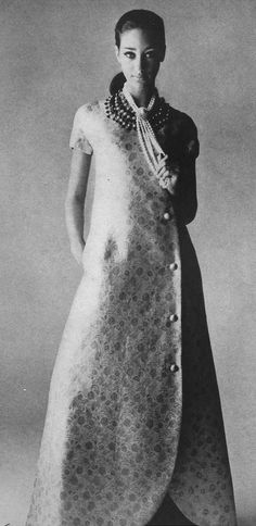 Castillo, 1966 Beautiful Marissa Berenson