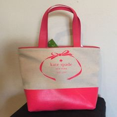 ❄️Winter Sale❄️ New Kate Spade Tote New with tags 100% authentic Kate Spade leather and burlap tote kate spade Bags Totes