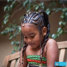 All styles of box braids to sublimate her hair afro On long box braids, everything is allowed! For fans of all kinds of buns, Afro braids in XXL bun bun work as well as the low glamorous bun Zoe Kravitz. Cute Hairstyles For Kids, Girls Natural Hairstyles, Baby Girl Hairstyles, Black Girls Hairstyles, African Hairstyles For Kids, Teenage Hairstyles, Box Braids Hairstyles, Kids Braided Hairstyles, Hairstyle Ideas