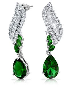 We will evaluate your Victorian era diamond jewelry and pay you on the spot. We work with customers throughout Massachusetts, from our Boston area location. Our market knowledge and antique and estate jewelry buying experience will give you the confidence in knowing that we will be able to pay you fair market value when you sell your antique diamond jewelry.