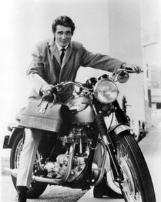 Ladies, he makes house calls! 'Marcus Welby, M.' actor James Brolin as the handsome Dr. Triumph Motorcycles, Vintage Motorcycles, Triumph Motorbikes, Robert Young, Sr500, Easy Rider, Old Tv Shows, Historical Pictures, Classic Tv
