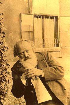 Johannes Brahms fue un pianista y compositor alemán del romanticismo. A Brahms se le considera el más clásico de los compositores románticos.