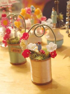 inspire co. has these adorable wooden spools dioramas Easter Crafts, Fun Crafts, Diy And Crafts, Christmas Crafts, Christmas Ornaments, Wooden Spool Crafts, Wooden Spools, Craft Projects, Projects To Try