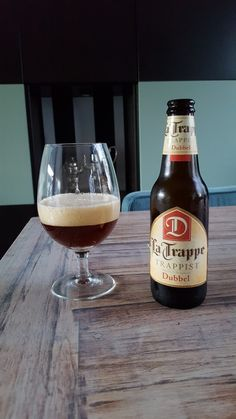 La Trappe trappist dubbel 7%vol  #latrappe #trappe #trappist #trappistenbier #dubbel #bier #beer #SFB #swinkelsfamilybrewers #dubbelbier Home Brewing, Craft Beer, Whisky, Beer Bottle, Beer 101, Alcohol, Watches, Root Beer, World