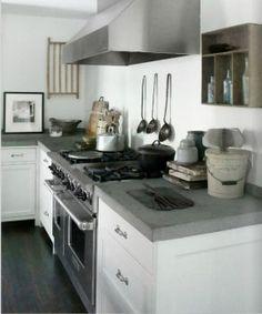 Landelijke keukens   Wit gecombineerd met hout. Door Karin
