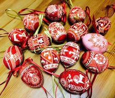 Lovely Christmas ornaments by Tetyana Solotska san Pysanky Japan