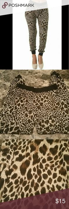 """NWOT Cute Animal Print Joggers Very cute and comfy joggers. 95% Polyester 5% Spandex.  30"""" inseam. True to size with some stretch.   NWOT. Tan/Blk/Bro event Pants Track Pants & Joggers"""