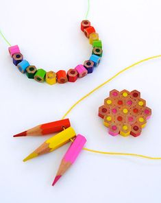 How to Make Pencil Jewelry - Back to School Crafts: How about wearing a rainbow necklace with pencil beads? Making pencil beads is easy, and you can try to learn how to make pencil jewelry. Fun Crafts, Crafts For Kids, Arts And Crafts, Diy Collier, Colored Pencils, Jewelry Crafts, Craft Projects, Craft Ideas, Diy Ideas