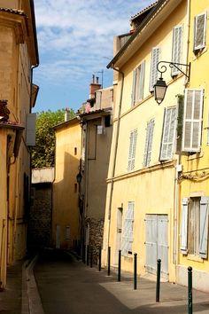 | ♕ | Blind street in Aix-en-Provence