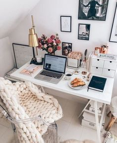 36 Affordable Home Office Decoration Ideas to Give You Chance to Do Some Business at Home | Matchness.com