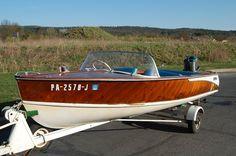 sweet small boat....LOVE LOVE LOVE