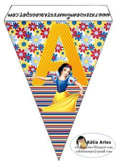 Banderines de Blancanieves con rayas y flores.