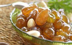 Συνταγή για γλυκό του κουταλιού σταφύλι με αμύγδαλα