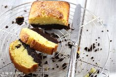 Butter brownie cake Un Cake, Brownie Cake, Parfait, Cornbread, Food Photography, Butter, Ethnic Recipes, Desserts, Pound Cakes
