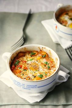 BAKED EGGS & TOMATOES.........could do this but open the egg right into the fry pan... yummy..