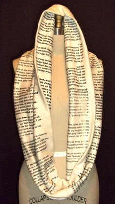 Wrap Up With A Good Book Scarf: Pride and Prejudice. Want this!