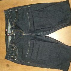 Torrid jeans Medium/Dark wash. Excellent condition. Torrid Jeans Skinny
