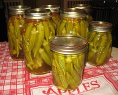 Canning - Pickled Okra - COOKING - Knitting, sewing, crochet, tutorials, children crafts, papercraft, jewlery, needlework, swaps, cooking and so much more on Craftster.org