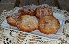 """Ho intitolato questa ricetta frittelle della nonna perchè mi ricordano tanto la mia nonnina. Sono delle frittelle semplicissime, fatte con pochi ingredienti, che si possono definire """"frittelle povere"""""""