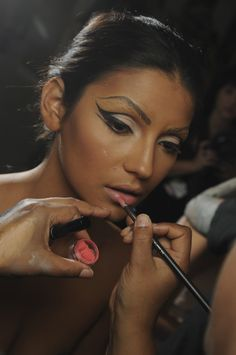 Wickedly awesome eyeliner.   http://maccosmetics.tumblr.com/post/10243076822/the-blonds