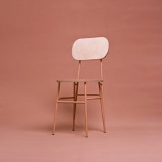 Jack has a clear reference to architecture with its beautifully simple shape. The chair's back and seat is made of wood and gives the chair a classic expression - a reminiscence of a typical school chair of the 80's and 90's. Lean and modern.