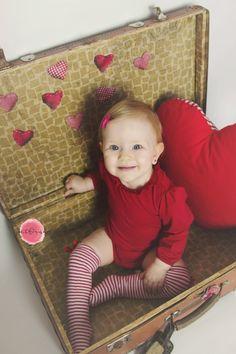 #girl #Valentine'sday #suitcase #photography #smile #petfruska