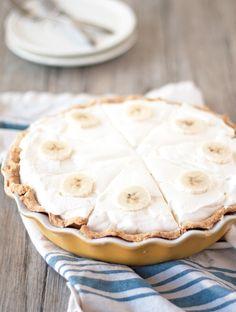 Banana cream pie: http://www.stylemepretty.com/living/2015/08/29/banana-cream-pie/ | Recipe: A Happy Food Dance - http://ahappyfooddance.com/