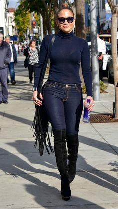 7471f59b7e4e Jennifer Lopez in a navy turtleneck