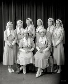 Shorpy Historic Picture Archive :: Eight Nurses: 1920s high-resolution photo