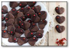 Czekoladowe ciastka serduszka z czerwonym pieprzem – Tajemnice smaku