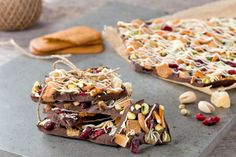 This dark chocolate holiday bark packed with gingersnaps, ginger, pretzels, caramels, pistachios and cranberries has got something in it for everyone to enjoy.