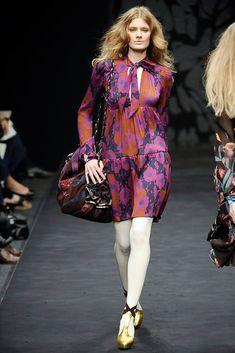 Ossie Clark Fall 2009 Ready-to-Wear Fashion Show - Constance Jablonski