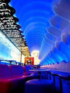 Switch Restaurant Lounge in Dubai by Karim Rashid 2 Lounge Bar, Restaurant Lounge, Restaurant Design, Commercial Design, Commercial Interiors, Dubai Travel Guide, Living In Dubai, Dubai Mall, Dubai 2017