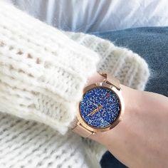 L'heure du week-end est arrivée ⌚, avec © Parisienne Rose et sa montre Cristal