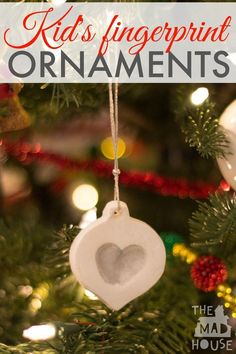 Make an adorable white clay Christmas fingerprint ornament - Mum In The Madhouse Christmas Clay, Christmas Ornaments To Make, Clay Ornaments, Christmas Projects, Christmas Themes, Holiday Crafts, Christmas Holidays, Christmas Stuff, Merry Christmas