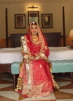 Rajasthani Lehenga, Rajasthani Bride, Indian Bridal Lehenga, Indian Bridal Outfits, Indian Bridal Wear, Indian Gowns, Rajasthan Clothes, Royal Dresses, Nice Dresses